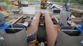 Praca przy budowie rurociągu